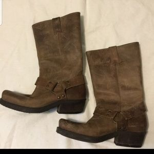 Hightail casual leather boots